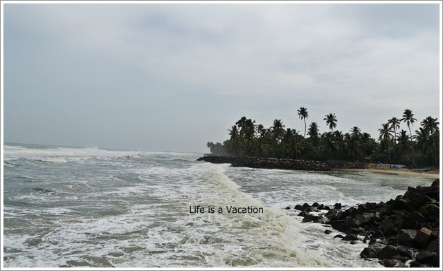 Beach Hopping in Kerala- Pallithodu