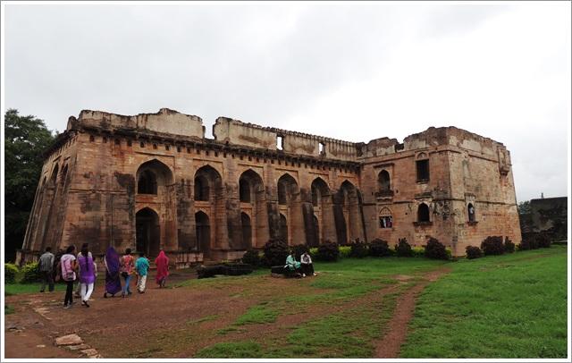 Hindola Mahal, Royal Enclosure Mandu