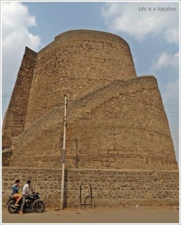 Bijapur Trip in 1 Day-Upli Burj
