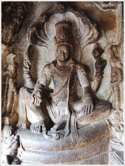 Badami-Cave3-Vishnu-King