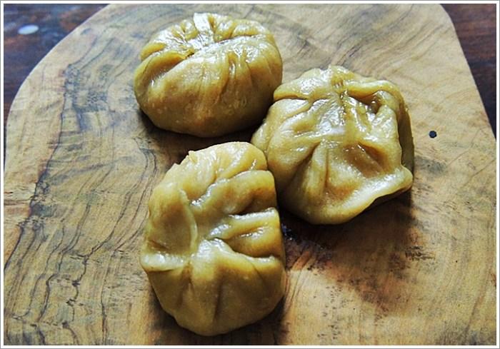 Namma Calcutta Sandesh Momo