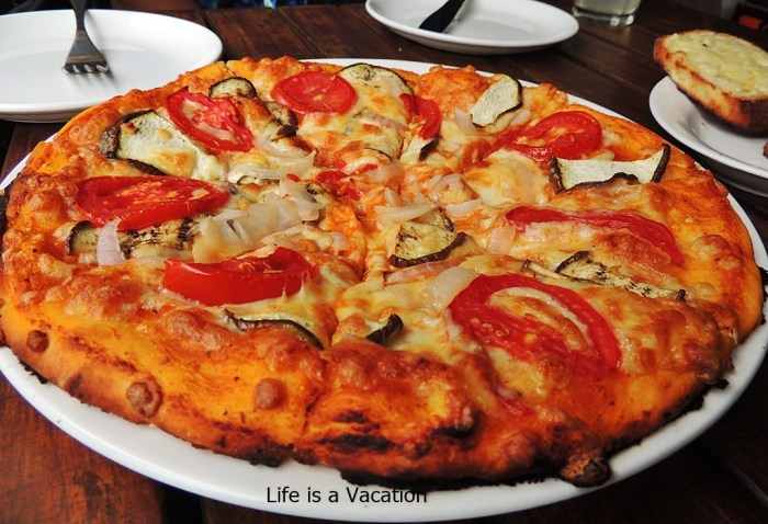 Cafes in Mcleodganj-Pizza