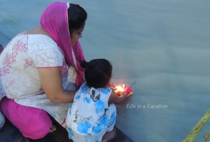 Ganga Aarti in Rishikesh - Triveni Ghat
