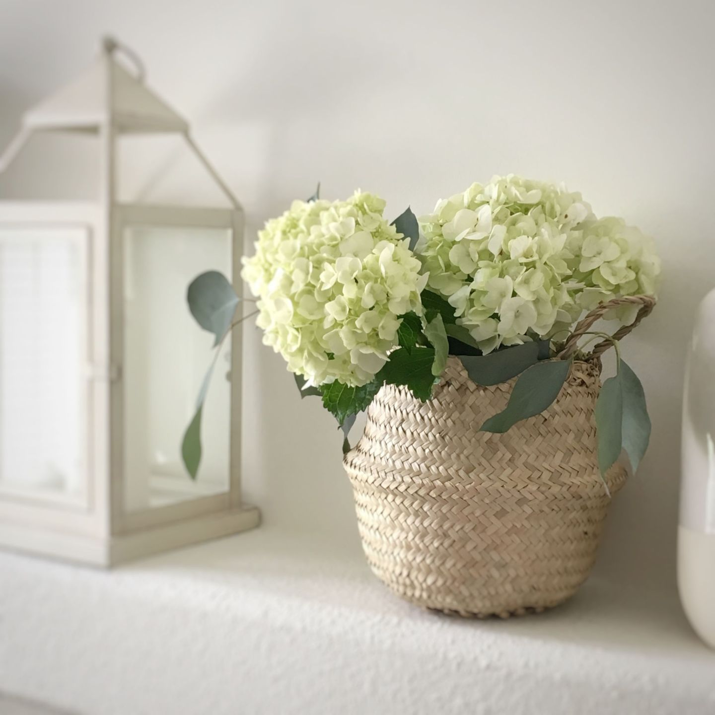 Decorating Your Mantle: Easy Styling Tips