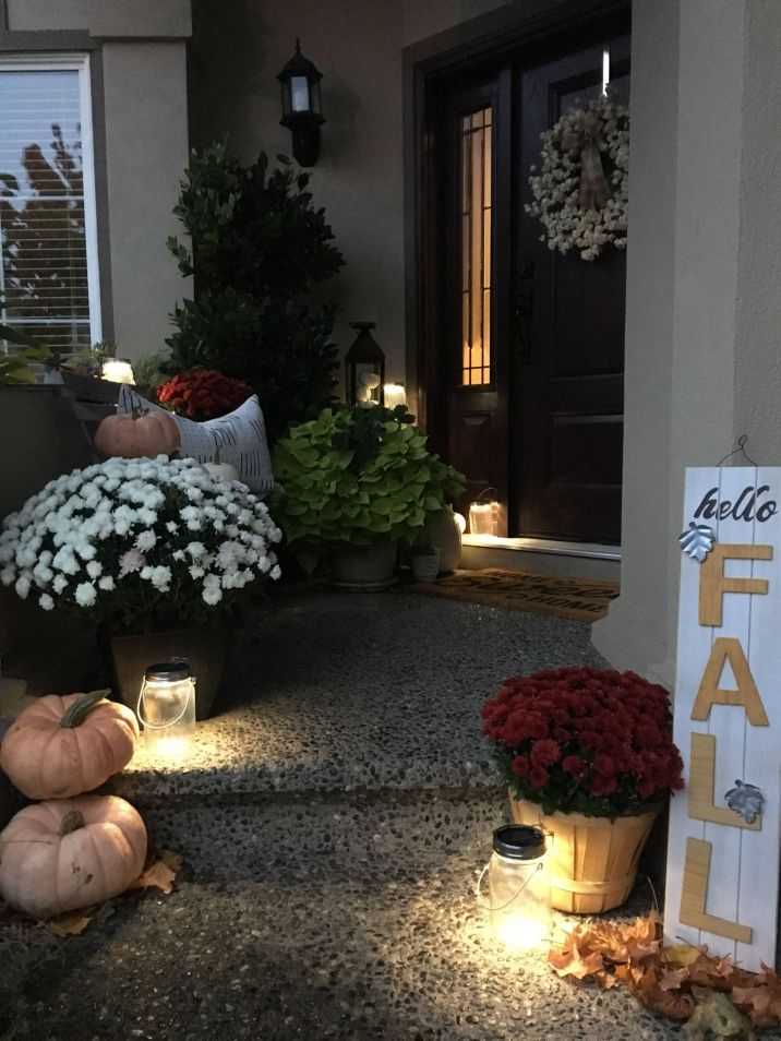 Simply Festive Fall Porch Decorating 18