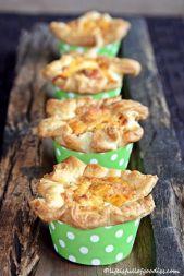 Blätterteigmuffins mit Lachs und Feta