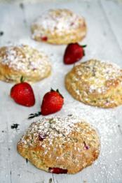 Erdbeerscones