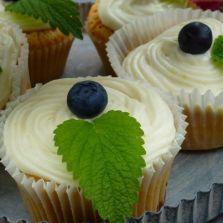 Frühjahrs-Cupcakes mit zitronigem Topping von Bettina K.