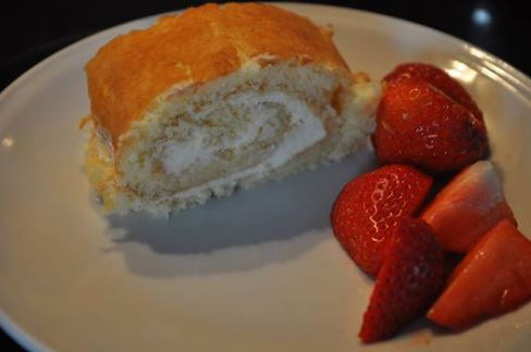 Lemon Curd Rolle von Missy in love with cooking https://www.facebook.com/MissyInLoveWithCooking