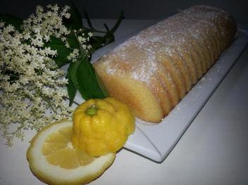 Zitronengrießkuchen mit Holunderblütensirup von Sylke T.