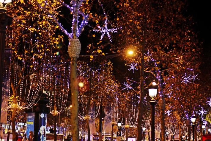 Die Weihnachtsdeko auf der Champs-Élysées war der Knaller!