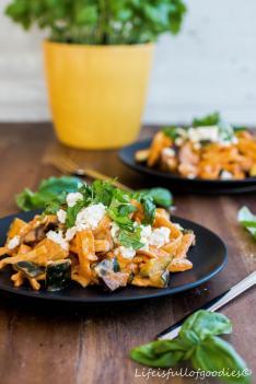 Italo Spätzle-Pfanne mit Aubergine und Zucchini