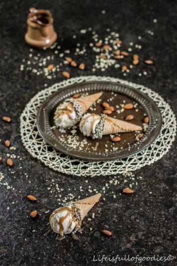 Vanilla Mascarpone Ice Cream mit Salzkaramell