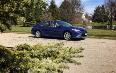2018 Toyota Camry Hybrid – Set It and Forget It