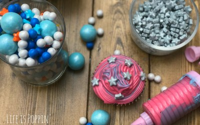Easy Galaxy Cupcakes: Party Hack