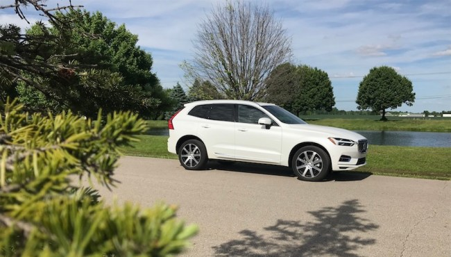 2018 Volvo XC60 T8 Plug-in Hybrid: The Sweetheart of Crossovers