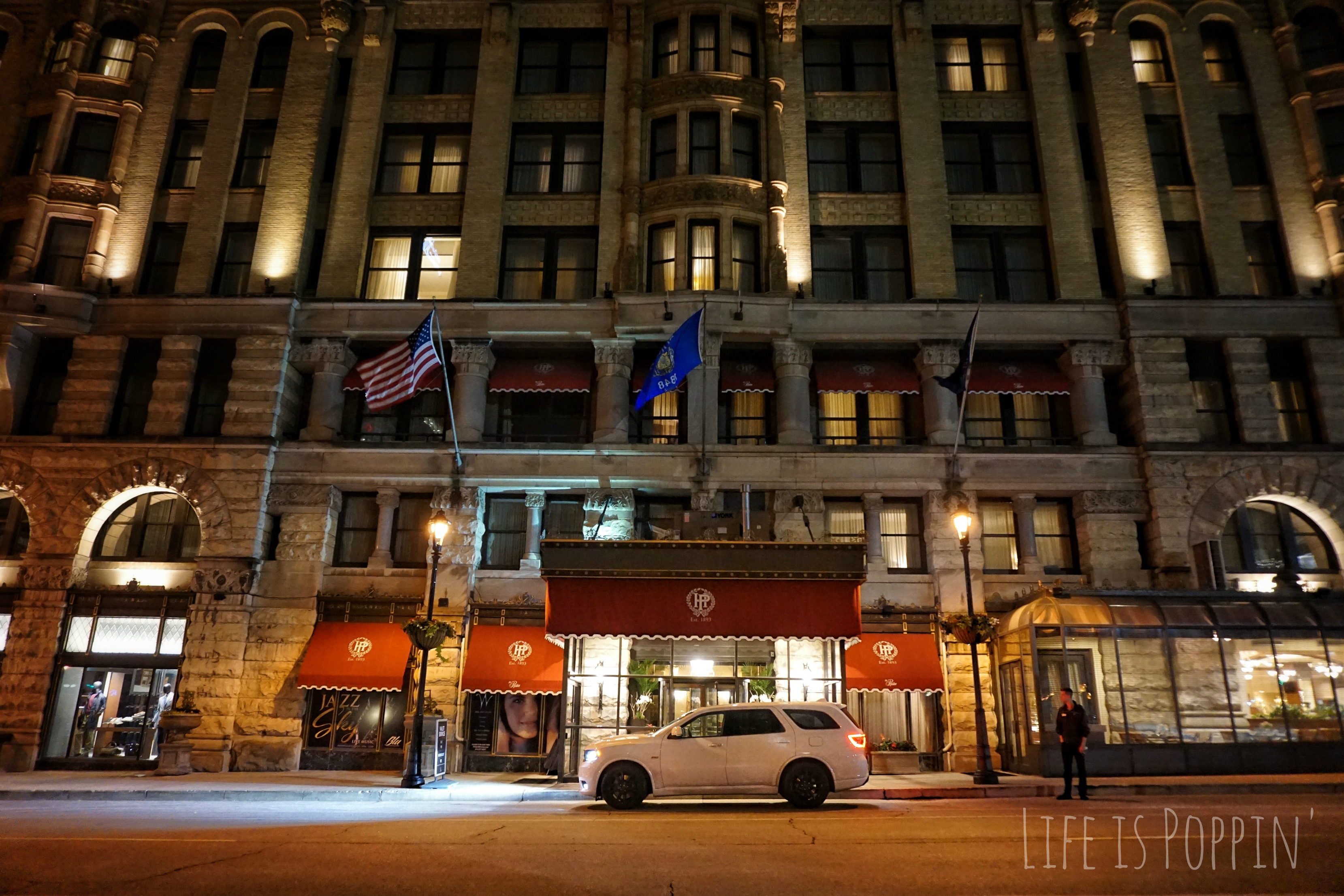 Pfister-Hotel-Night