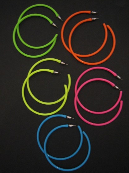 bijoux-Hoop-Earrings-Neon-1980-s-Retro-Large-Bright-Funky-Ladies-Girls-Party-Rave-Emo-brincos