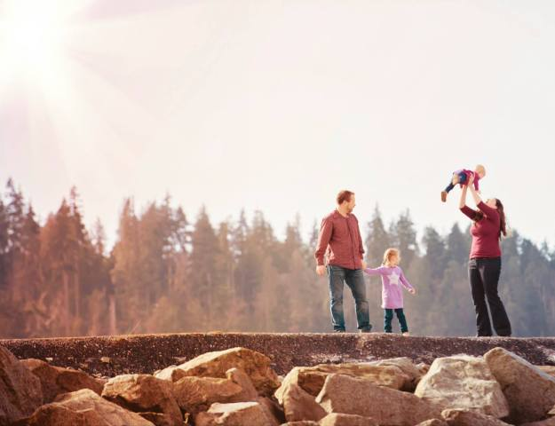 Ambleside Beach Family Photo