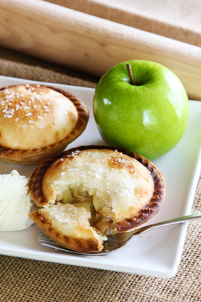 Mini Apple Pies A La Mode