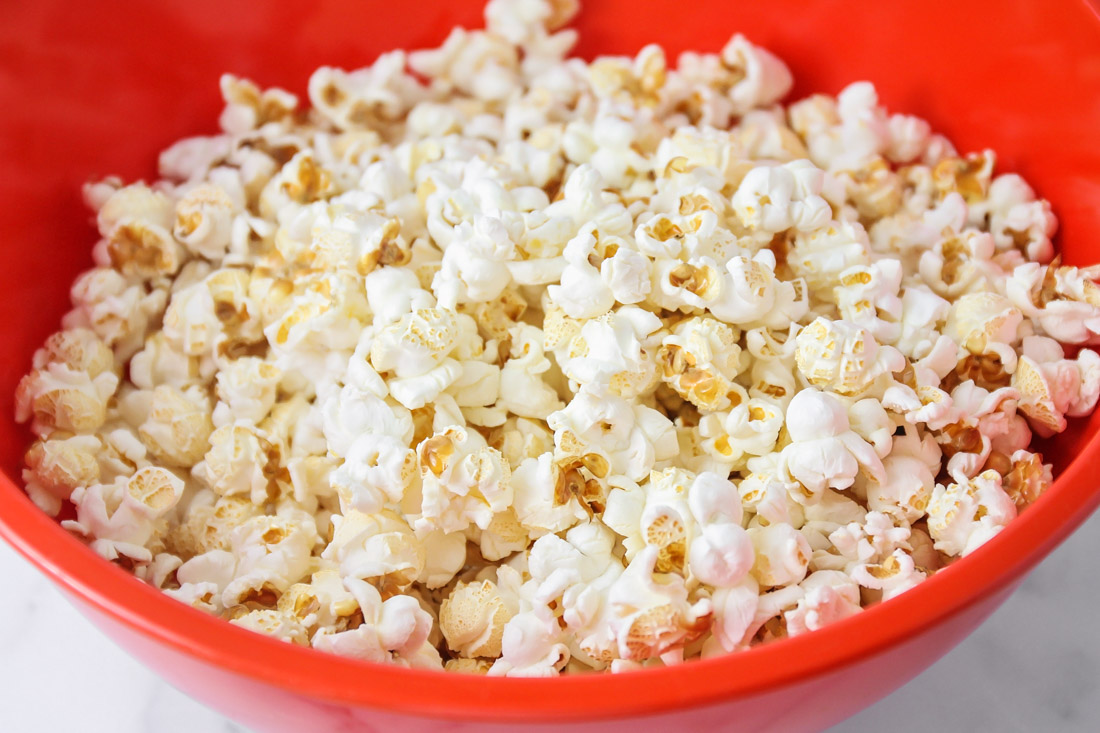 Freshly popped popcorn to use in caramel corn recipe