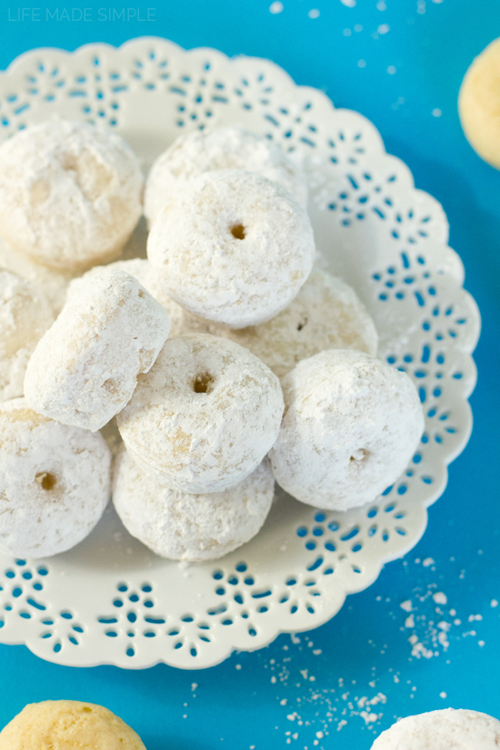 Powdered Sugar Donettes