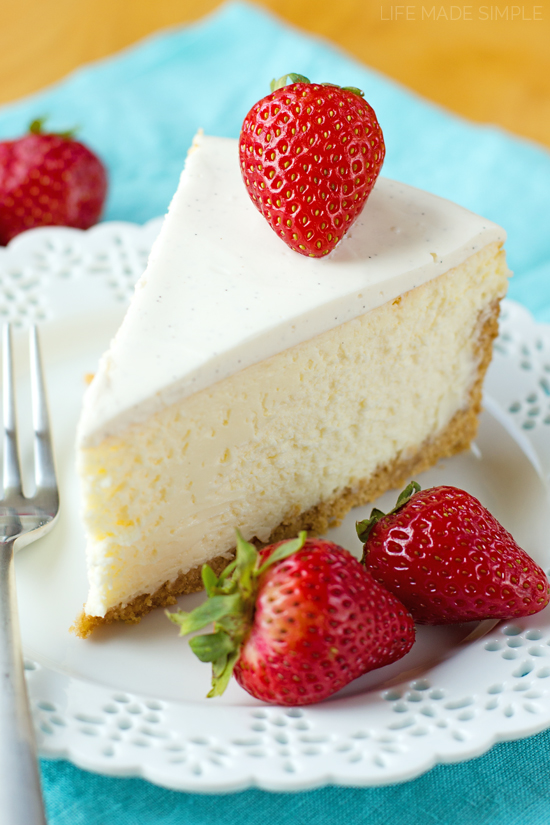 New York Cheesecake Recipe with strawberries on top