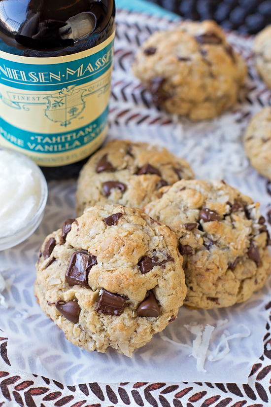 Coconut oil oatmeal cookies with chocolate chips