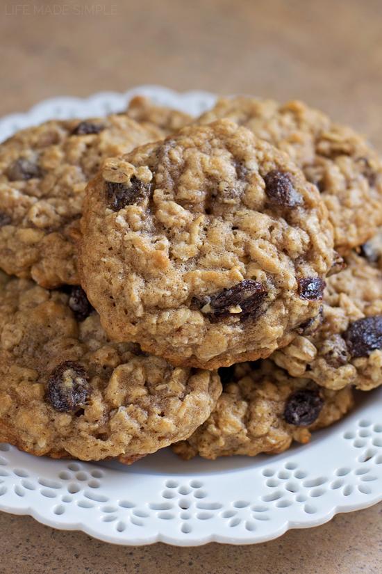 Soft n' Chewy Oatmeal Raisin Cookies