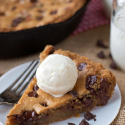 Browned Butter Chocolate Chip Skillet Cookie | lifemadesimplebakes.com