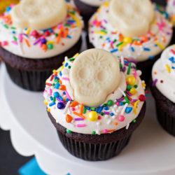 Black and White Sugar Skull Cupcakes | lifemadesimplebakes.com