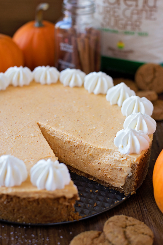 No Bake Pumpkin Cheesecake recipe - easy Thanksgiving dessert