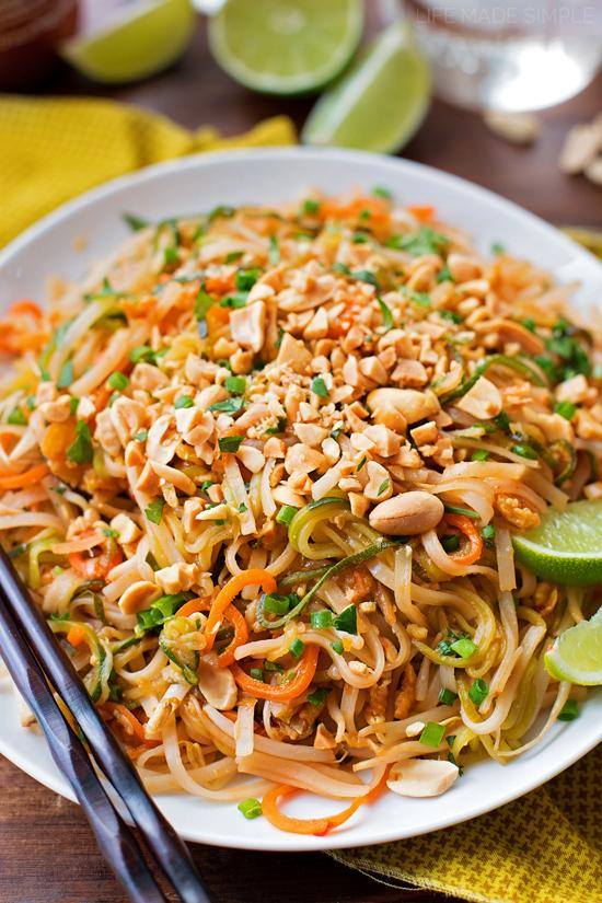 Spiralized Veggie Pad Thai | llifemadesimplebakes.com