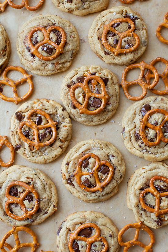 Peanut Butter Pretzel Chocolate Chunk Cookies | lifemadesimplebakes.com