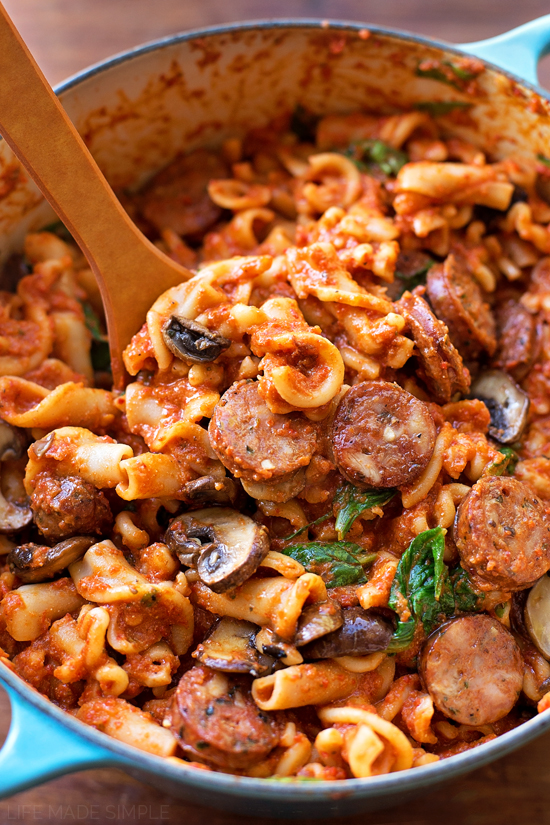 Sausage, Mushroom & Spinach Pasta with Red Pepper Sauce | lifemadesimplebakes.com