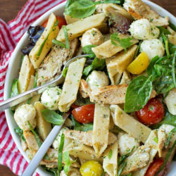 Chicken Caprese Pasta Salad with Pesto Dressing | lifemadesimplebakes.com