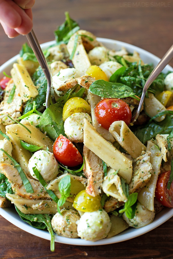 Caprese Pasta Salad with Pesto Dressing