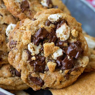 S'mores Chocolate Chip Cookies | liifemadesimplebakes.com