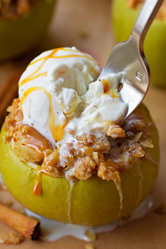 Easy Autumn Apple Cake