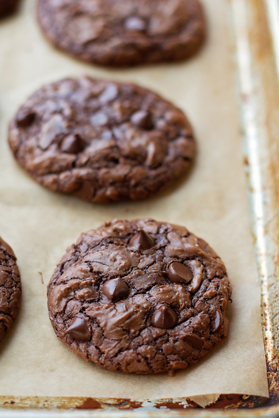 How to make Brownie Cookies on a baking sheet