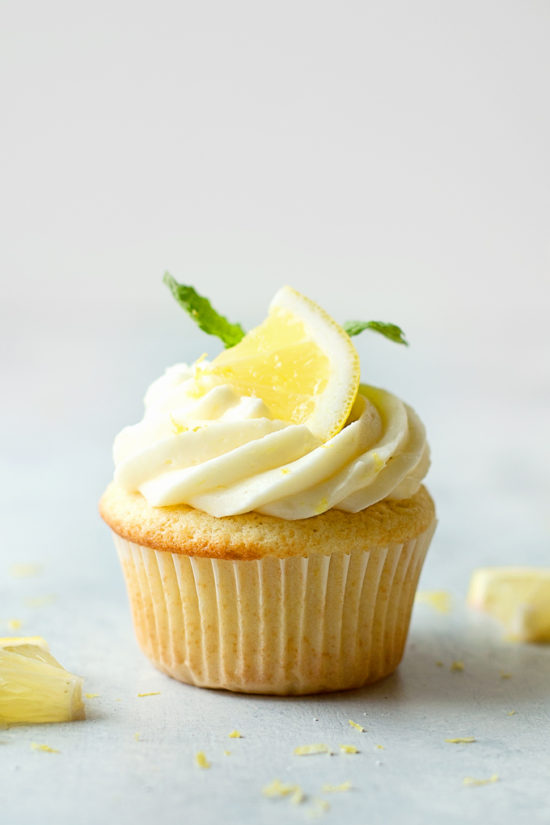 Lemon Cupcakes with Lemon Cream Cheese Frosting