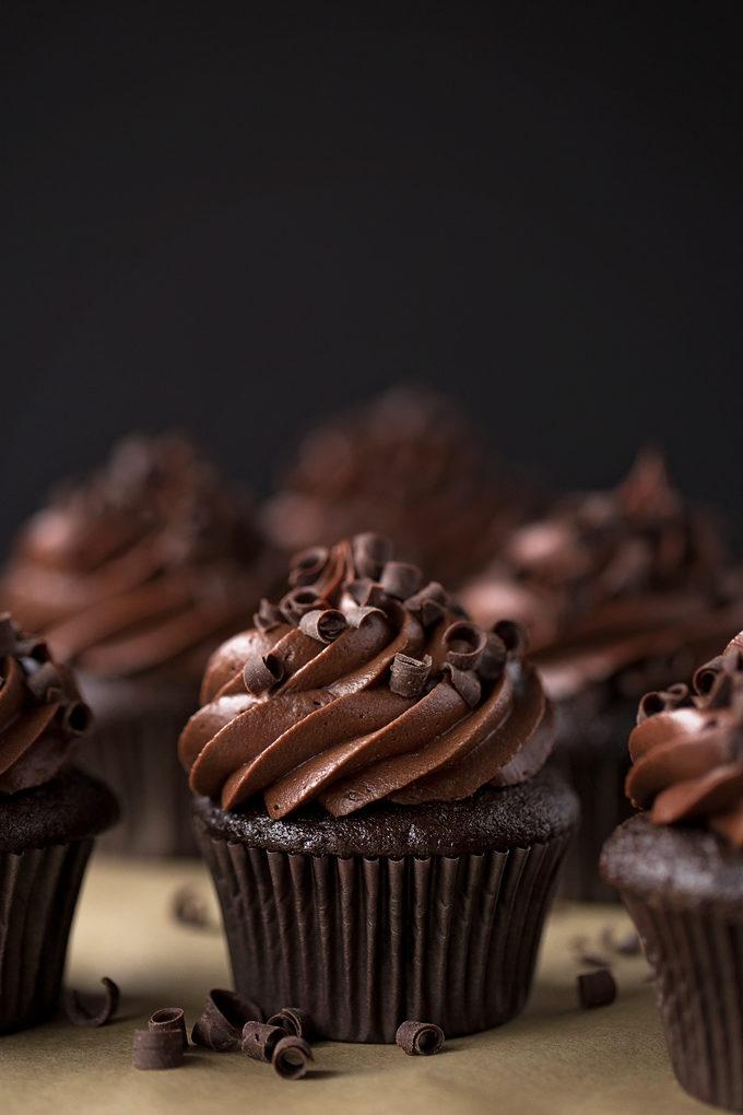 Ultimate Chocolate Cupcakes | lifemadesimplebakes.com