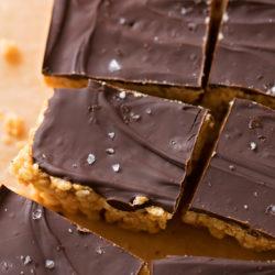 6 Ingredient Peanut Butter Rice Krispie Treats | lifemadesimplebakes.com