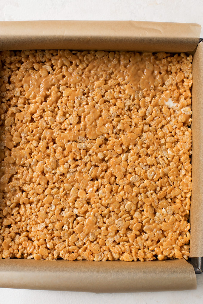 Rice krispie treats with peanut butter