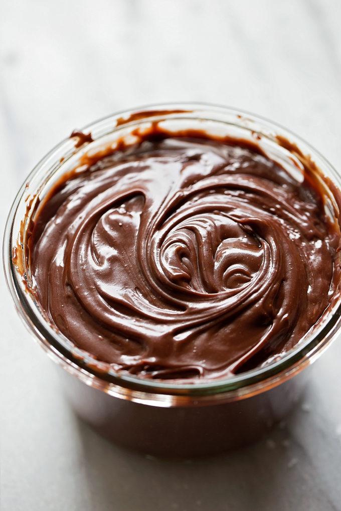 Vanilla Bean Sundaes with Chocolate Salted Caramel Sauce | lifemadesimplebakes.com