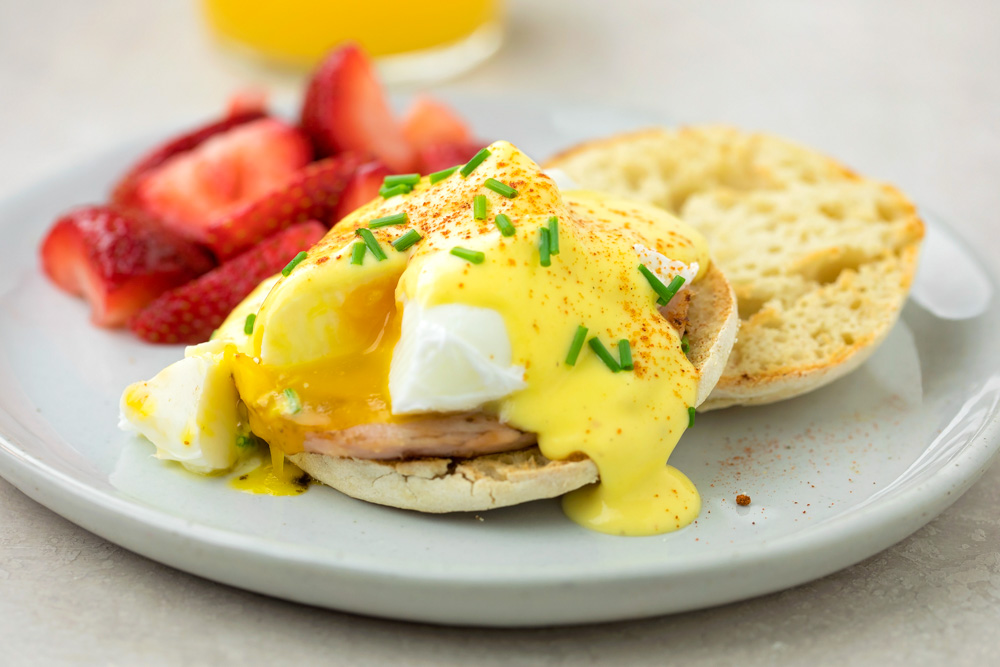 Homemade Eggs Benedict recipe