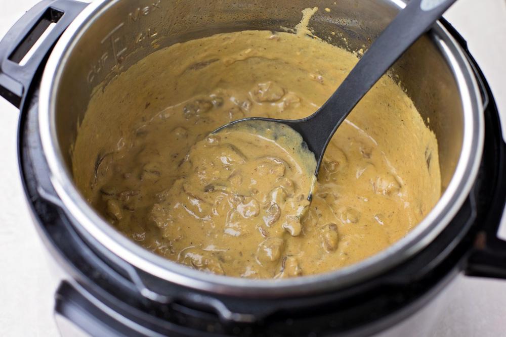 Beef stroganoff in instant pot