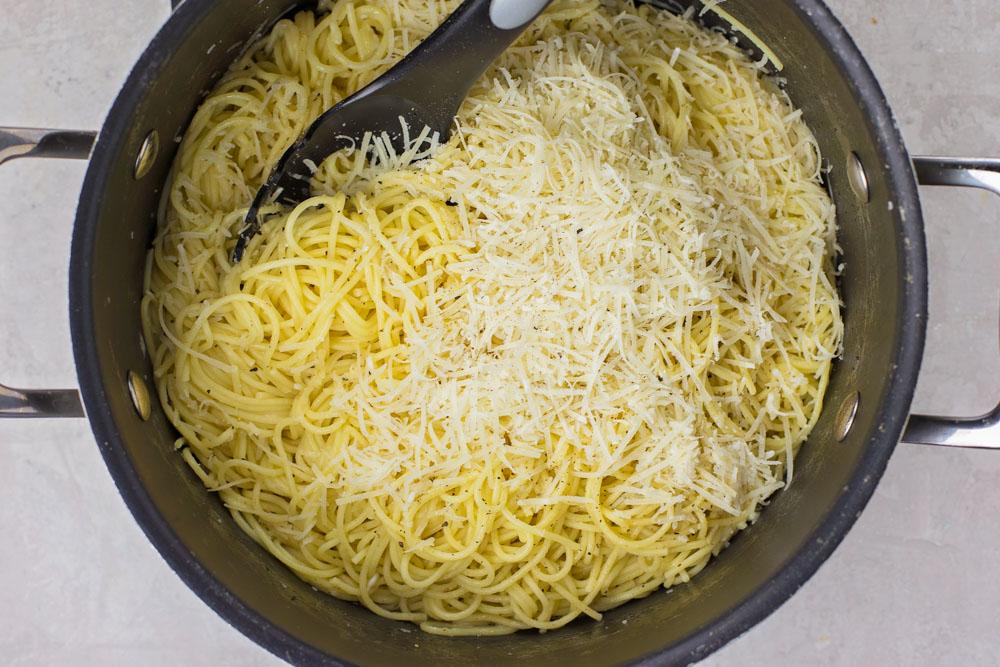 How to make cacio e pepe