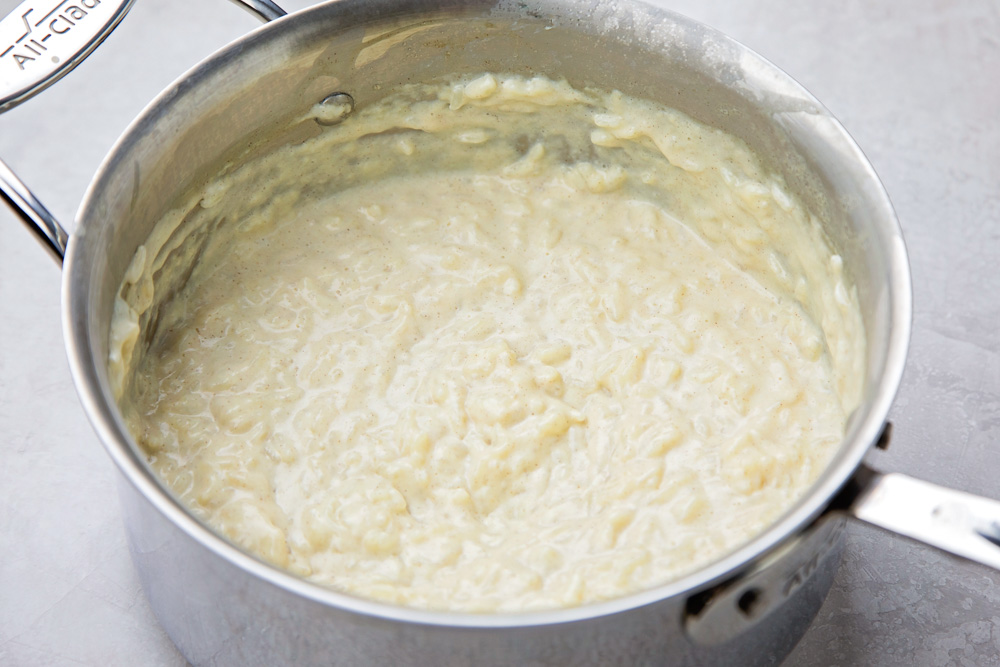 How to make rice pudding in a saucepan