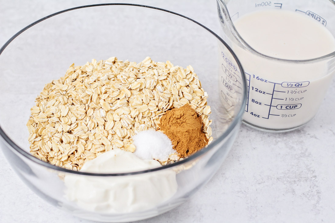 Ingredients for overnight oats recipe